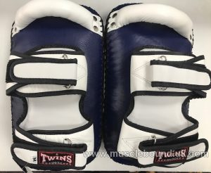 KPL-12 Twins Deluxe Curved Leather Kick Pads navy/white