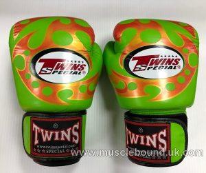 Twins green/ orange gloves