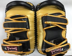 KPL-12 Twins Deluxe Curved Leather Kick Pads gold/black