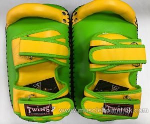 KPL-12 Twins Deluxe Curved Leather Kick Pads yellow/green