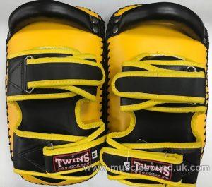 KPL-12 Twins Deluxe Curved Leather Kick Pads yellow/black